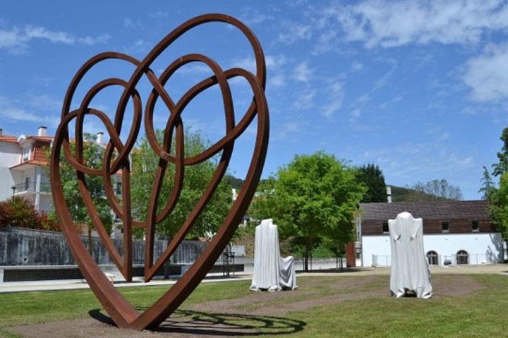 Jardim do Amor (Garden of Love) - Alcobaça